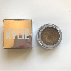 Kylie Cosmetics Creme Eyeshadow shade Camo